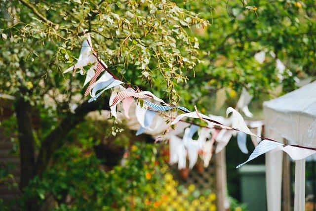 Svatbu můžete mít i venku, pod skvělým party stanem