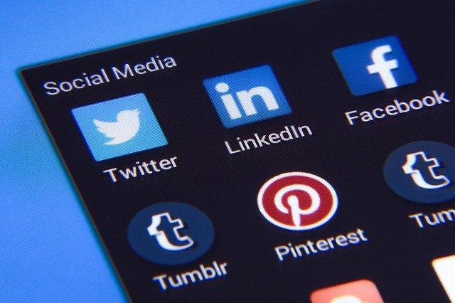 Zúročte svůj čas strávený na sociálních sítích